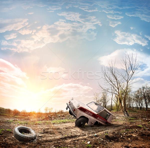 Stary samochód samochodu wieczór światło słoneczne niebo trawy Zdjęcia stock © Givaga