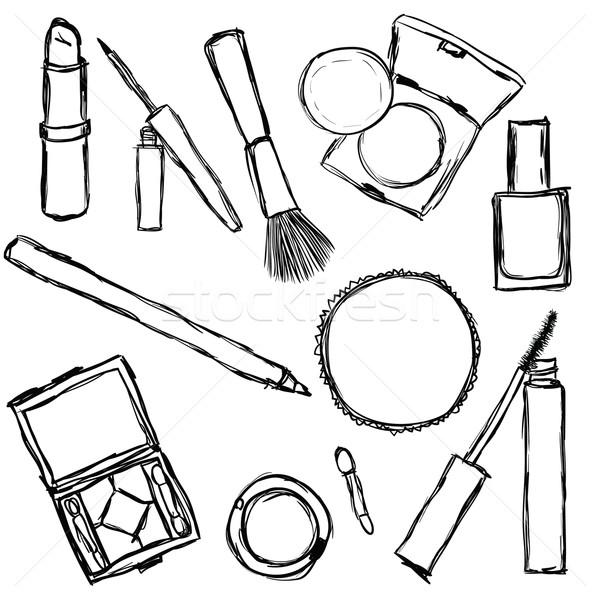 Рисунок косметическим карандашом