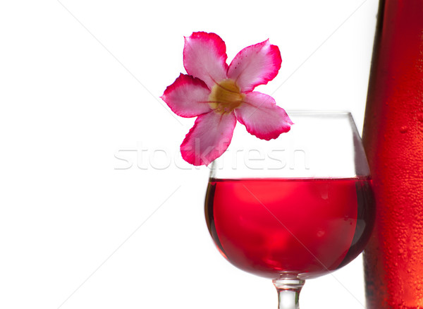 Vinho tinto vidro vinho garrafa vermelho líquido Foto stock © Gloszilla