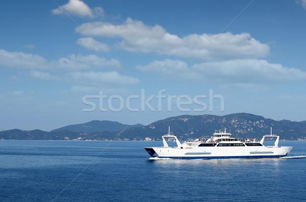 Balsa barco navegação ilha Grécia céu Foto stock © goce