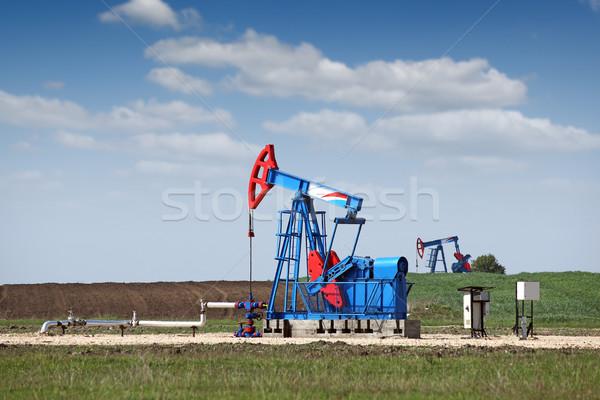 Twee pompen olie-industrie hemel technologie veld Stockfoto © goce