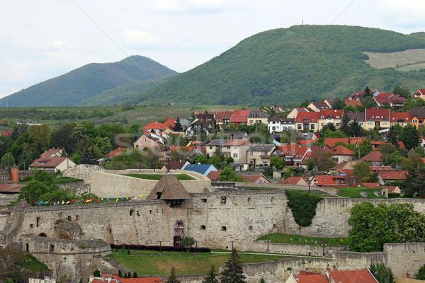 Forteresse maisons collines Hongrie paysage rue Photo stock © goce