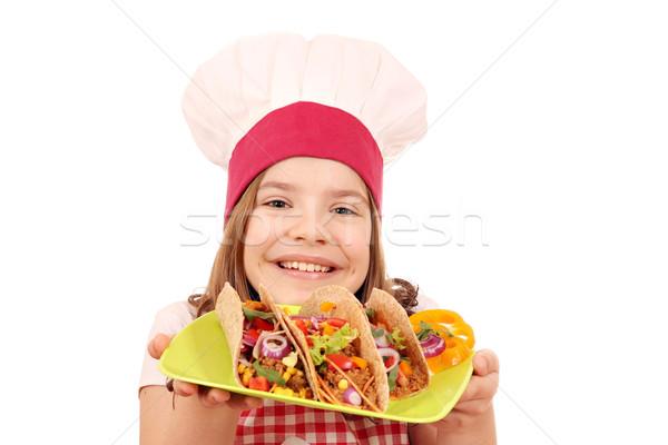 Feliz little girl cozinhar tacos menina sorrir Foto stock © goce
