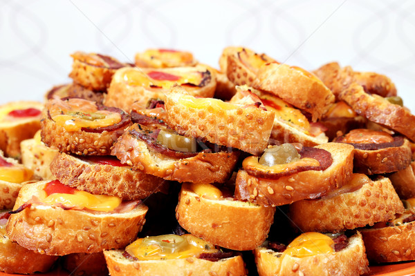 Foto stock: Aceitunas · queso · salami · pan · sándwich · tomate