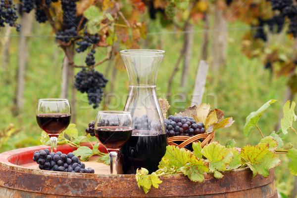 Vin rouge bois baril saison d'automne feuille verre Photo stock © goce