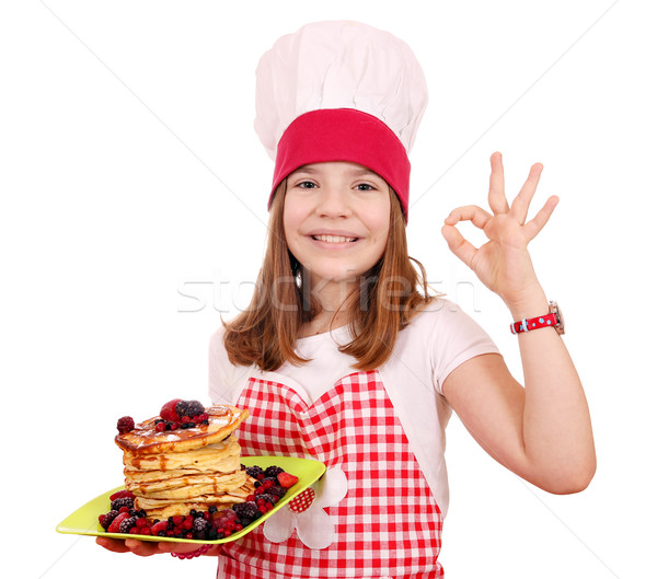 Boldog kislány szakács palacsinták ok kézjel Stock fotó © goce