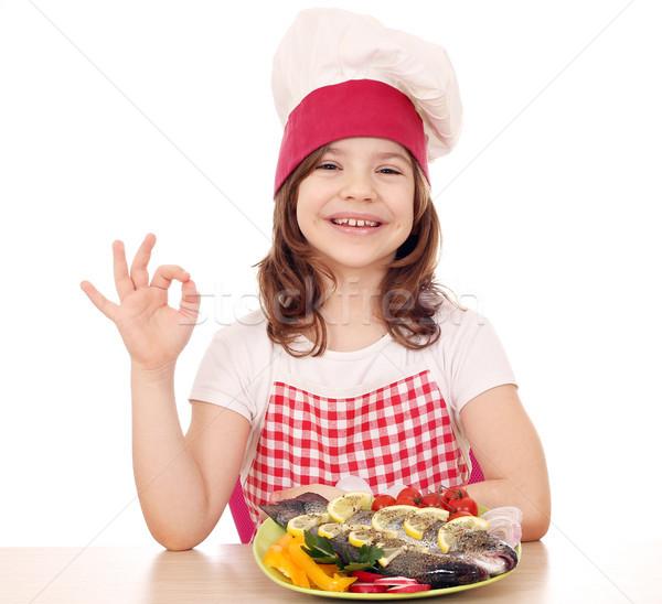счастливым девочку Кука форель пластина вызывать Сток-фото © goce