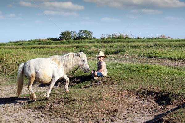 女の子 カウボーイハット ポニー 馬 少女 フィールド ストックフォト © goce