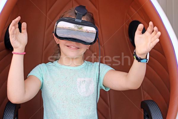 Kislány virtuális valóság headset mosoly gyerekek Stock fotó © goce