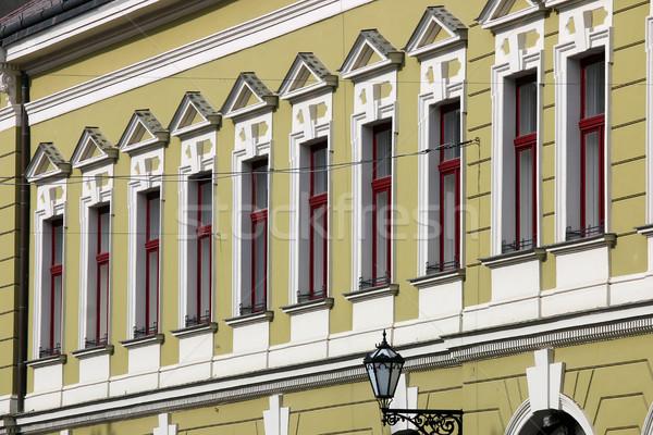 Antigo edifício windows pormenor Hungria casa parede Foto stock © goce