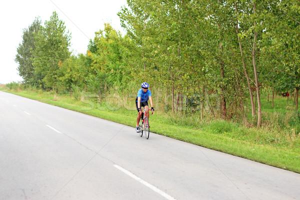 Maschio ciclista veloce gara bike sport Foto d'archivio © goce