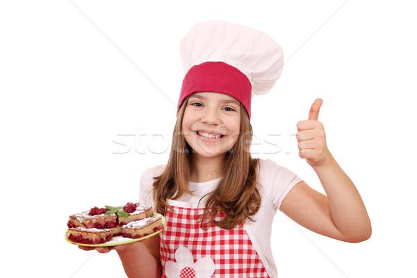 Zdjęcia stock: Szczęśliwy · dziewczynka · gotować · domowej · roboty · pie · kciuk