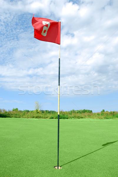 Golfe campo vermelho bandeira céu primavera Foto stock © goce