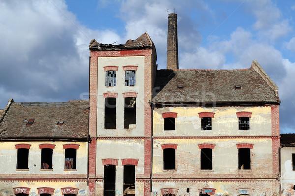 Eski terkedilmiş fabrika Bina endüstriyel depo Stok fotoğraf © goce