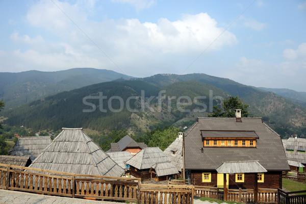 Oude dorp houten berg landschap hemel Stockfoto © goce