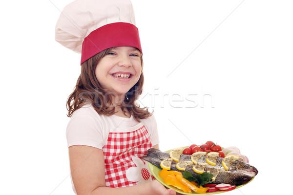 Stock fotó: Boldog · kislány · szakács · pisztráng · tányér · lány