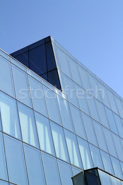 Prédio comercial vidro parede céu edifício janela Foto stock © goce