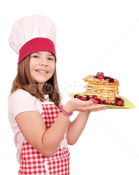 Mutlu küçük kız pişirmek tatlı krep kız Stok fotoğraf © goce