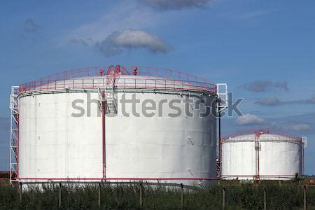 Olie-industrie raffinaderij veld hemel groene olie Stockfoto © goce