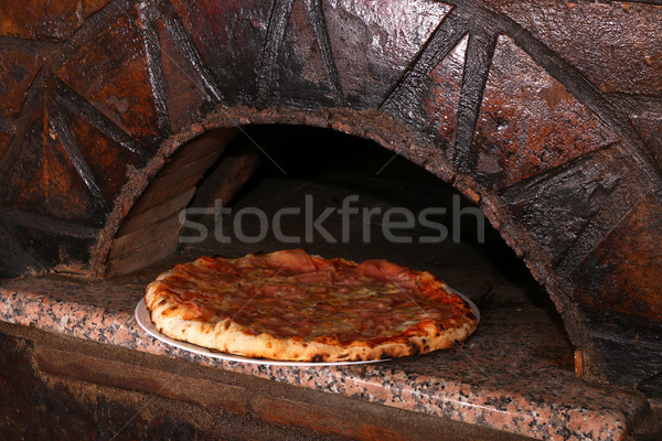 Pizza tijolo forno pizzaria restaurante Foto stock © goce