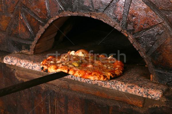 Heerlijk pizza baksteen oven pizzeria restaurant Stockfoto © goce