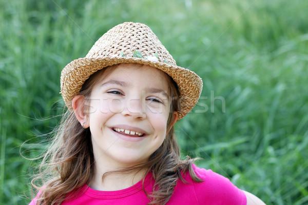 счастливым девочку соломенной шляпе портрет девушки лице Сток-фото © goce