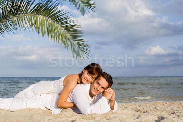 Viaggio di nozze Coppia spiaggia uomo femminile sorridere Foto d'archivio © godfer