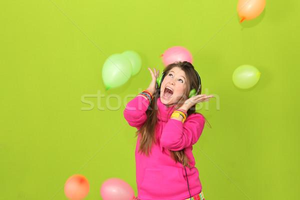 Chanter heureux adolescente karaoke fête fille Photo stock © godfer