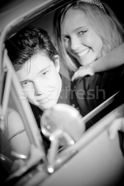 Rétro vintage couple voiture femme sourire Photo stock © godfer