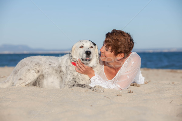 Honden vakantie ontspannen vrouw liefde Stockfoto © godfer