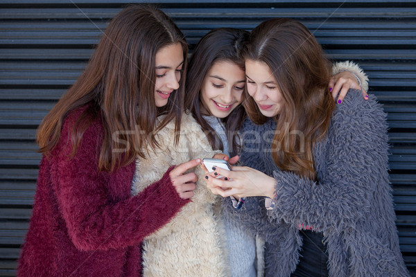 Crianças célula telefone móvel feliz Foto stock © godfer