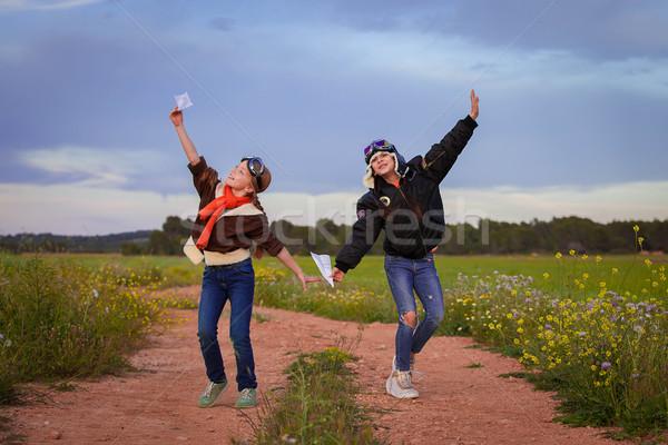 Vlucht reizen vakantie vakantie kinderen gelukkig Stockfoto © godfer