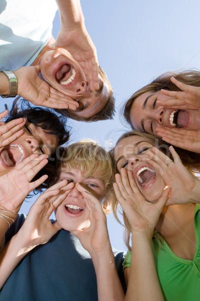 Grupy szczęśliwy nastolatków obóz letni szkoły dzieci Zdjęcia stock © godfer