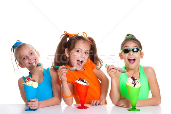 Kinderen eten icecream gelukkig meisje glimlach Stockfoto © godfer
