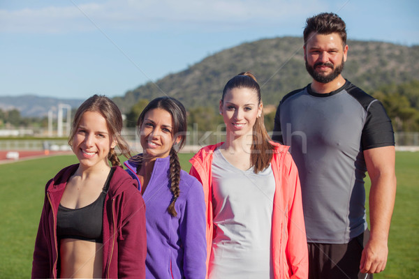 Equipo deportivo encajar saludable personas sonrisa mujeres Foto stock © godfer