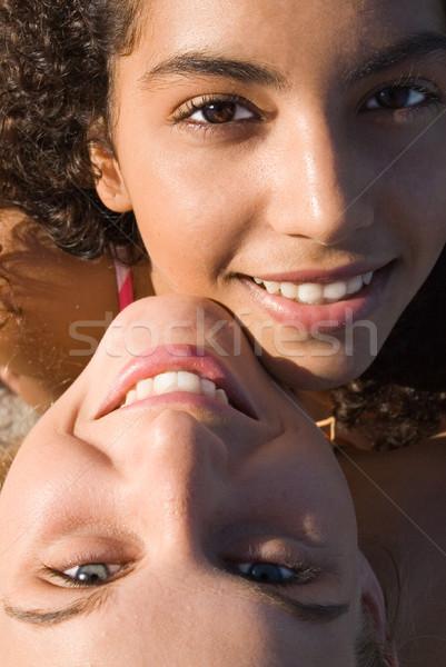 Racial casal adolescentes mulheres meninas preto Foto stock © godfer