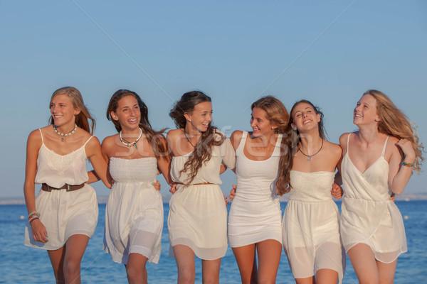 Группа девишник