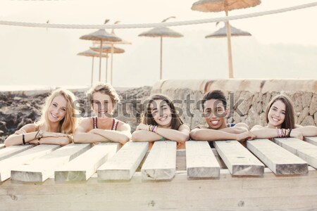 Racial estudantes férias mulheres crianças verão Foto stock © godfer