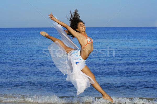 Felice sani donna spiaggia donne Foto d'archivio © godfer