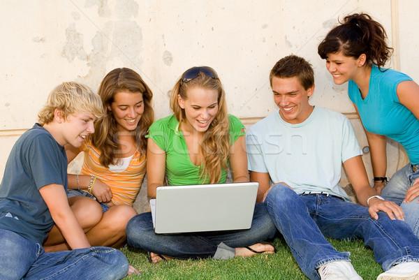 Stock fotó: Gyerekek · laptop · néz · internet · iskola · diák