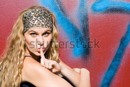 Enojado adolescente mano hasta no nina Foto stock © godfer