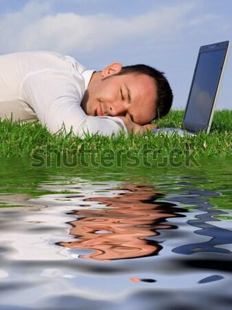 Hombre de negocios relajante poder siesta aire libre ordenador Foto stock © godfer
