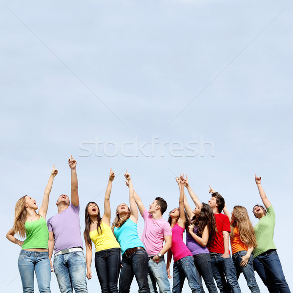 Photo stock: Groupe · adolescents · pointant · filles · jeans · adolescents
