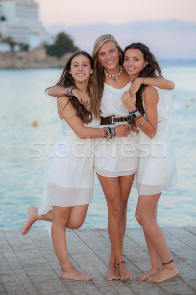 Vrienden vakantie majorca partij vrouwen kinderen Stockfoto © godfer