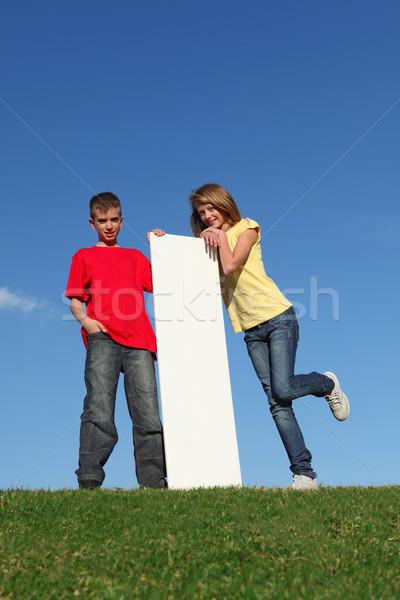 Stock fotó: Gyerekek · üres · tábla · lány · felirat · fiú · tinédzserek