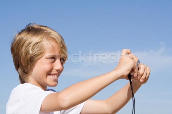 Gyermek kamera elvesz fotó gyerekek nyár Stock fotó © godfer