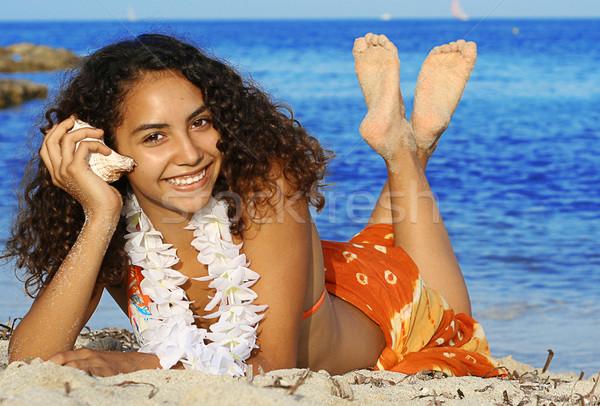 Jeunes femme souriante plage vacances d'été femme mer Photo stock © godfer