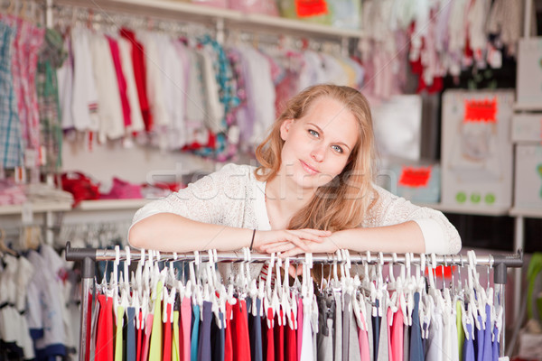 Stock fotó: Ruházat · bolt · nő · asszisztens · kiskereskedelem · eladó