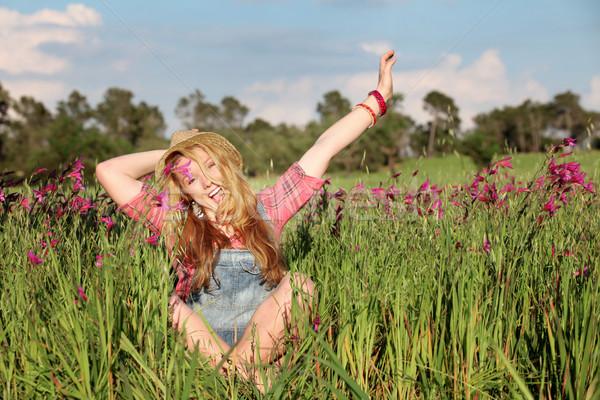 Stock fotó: Boldog · mosolyog · nyár · lány · legelő · virágok