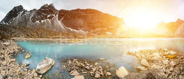 красивой горные пейзаж мнение отражение озеро Сток-фото © goinyk